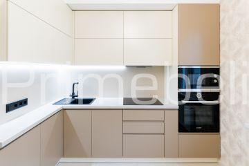 Угловая кухня из крашеного МДФ Vesta 33