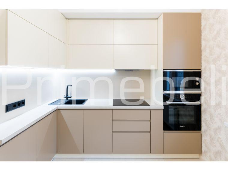 Угловая кухня из крашеного МДФ Vesta 33, вид с разных точек - фото 1