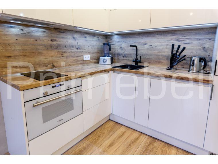 Угловая кухня из пластика Lora 31 с духовкой