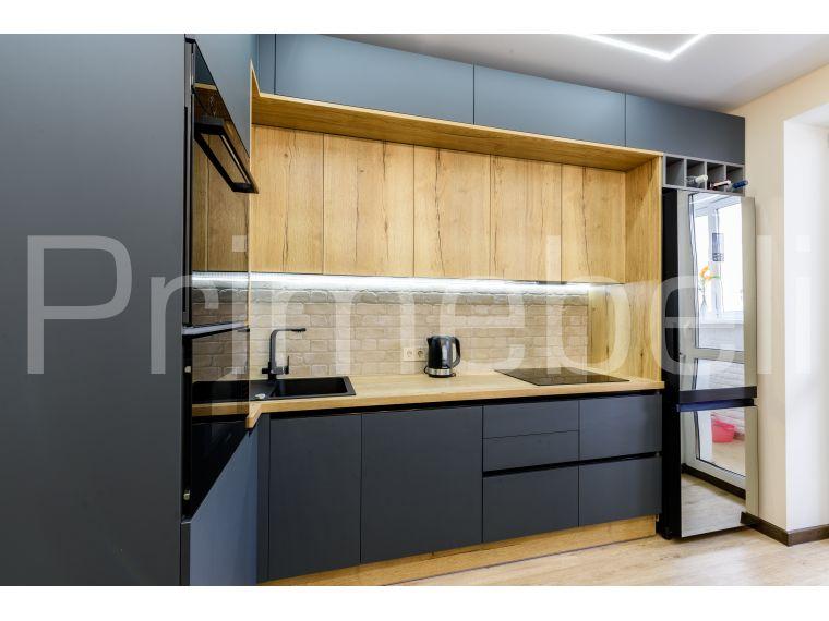 Фото №2 кухни с фасадом из Fenix Savanna 35 с разных точек